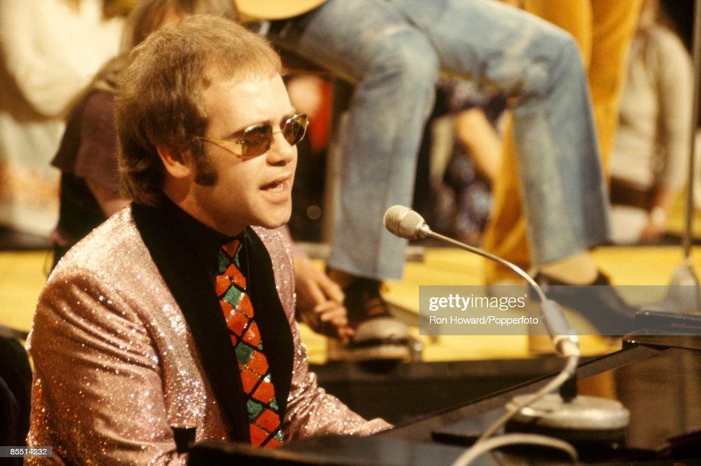 Photo of Elton JOHN : News Photo