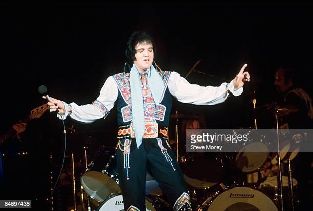 COLISEUM Photo of Elvis PRESLEY Elvis Presley performing on stage