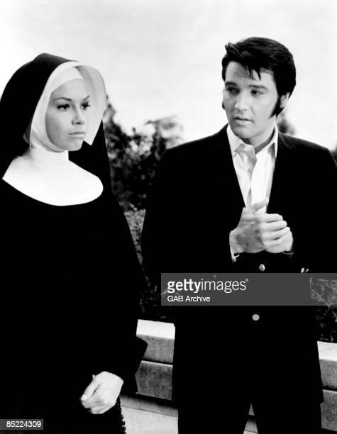 Photo of Elvis PRESLEY, with Mary Tyler Moore in the film 'Change of Habit'