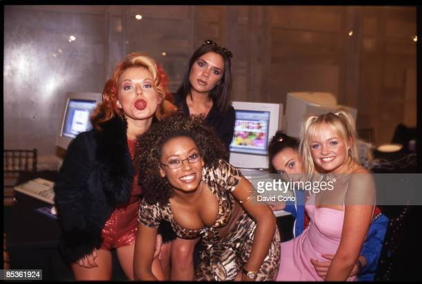 Photo of Emma BUNTON and Geri HALLIWELL and Victoria BECKHAM and SPICE GIRLS; Group portrait L-R Geri Halliwell, Victoria Adams behind, Melanie Brown...