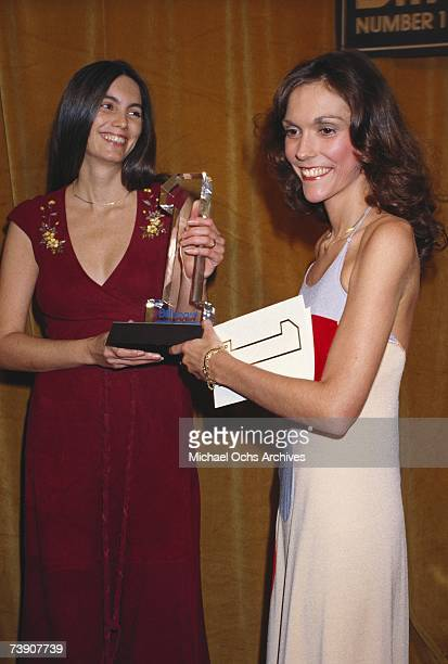 Photo of Emmylou Harris California Los AngelesBillboard Music AwardsCarpentersLR Emmyiou Harris Karen Carpenter