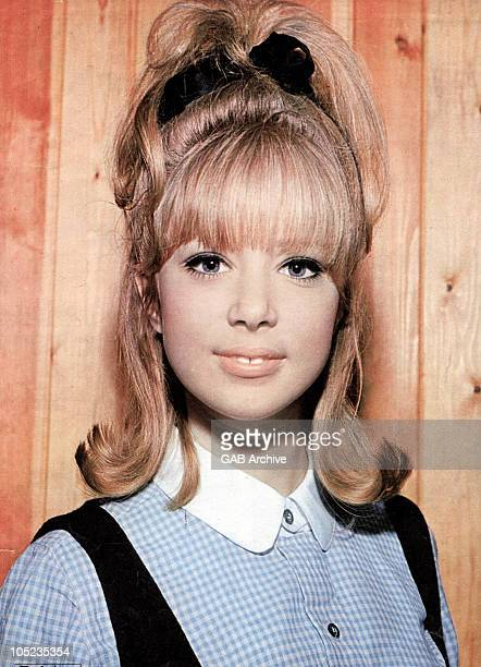 Photo of English model Pattie Boyd posed in 1964
