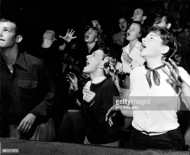 Photo of FANS and JAZZ and 50's STYLE