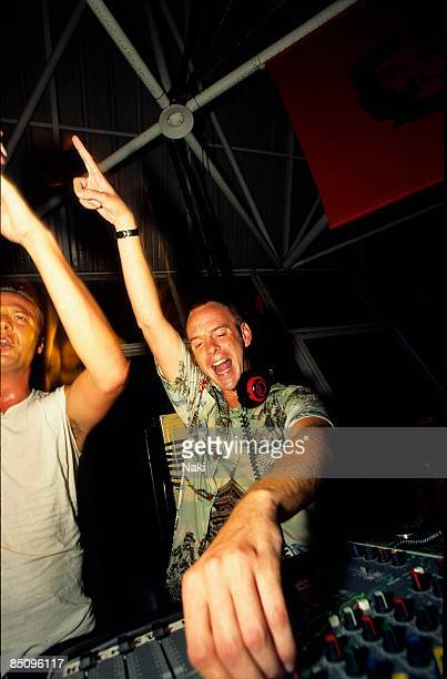 MANUMISSION Photo of FATBOY SLIM and Norman COOK Fatboy Slim DJing