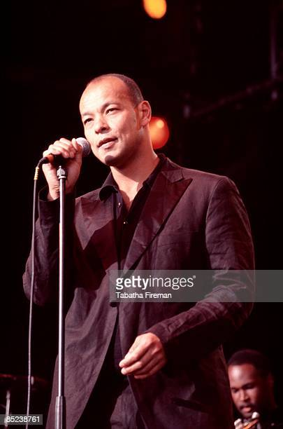 Photo of FINE YOUNG CANNIBALS and Roland GIFT