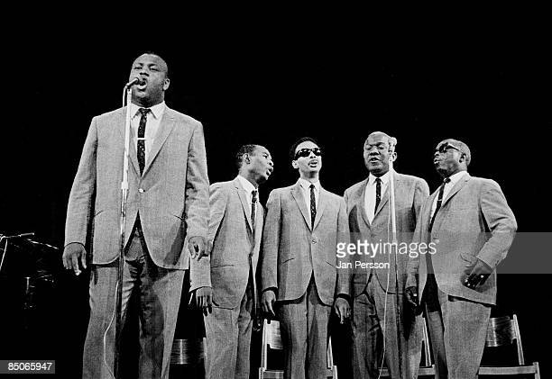 135 Five Blind Boys Photos And Premium High Res Pictures Getty Images