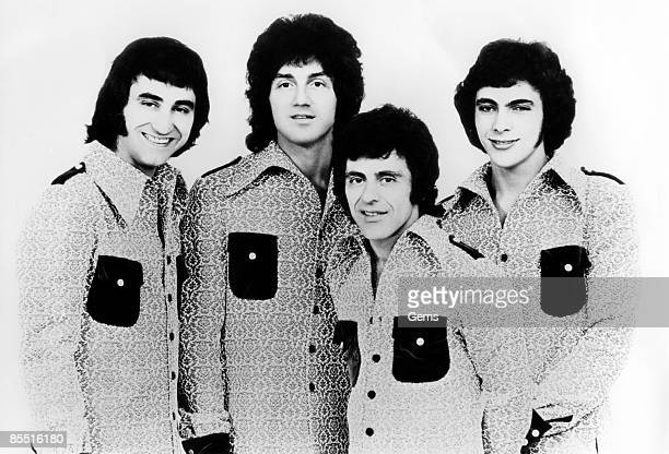Photo of FOUR SEASONS and Frankie VALLI Posed group portrait with the Four Seasons