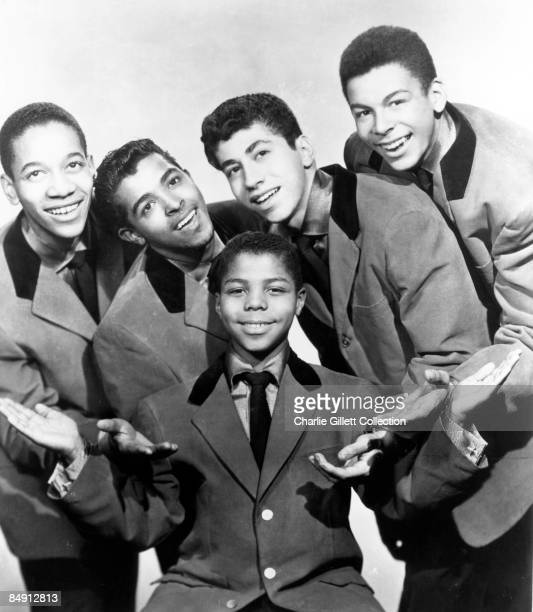 Photo of Frankie LYMON The Teenagers Posed group shot
