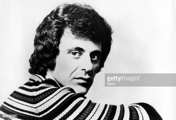 Photo of Frankie VALLI Posed portrait