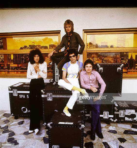 Photo of Freddie MERCURY and Brian MAY and QUEEN and Roger TAYLOR and John DEACON Posed group portrait Brian May Roger Taylor Freddie Mercury and...