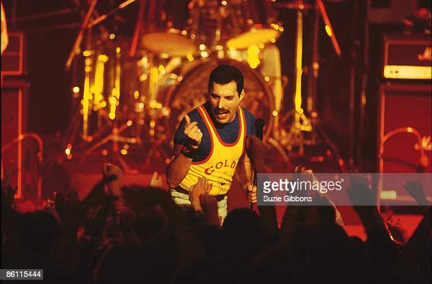 FESTIVAL Photo of Freddie MERCURY and QUEEN Freddie Mercury performing live on stage