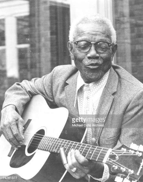 Photo of Furry Lewis Photo by Michael Ochs Archives/Getty Images