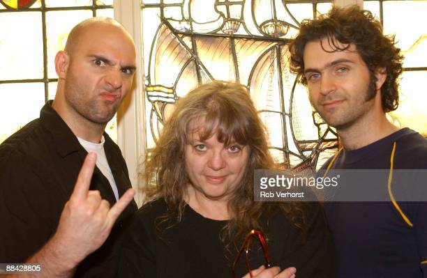 Photo of Gail ZAPPA and Ahmed ZAPPA and Dweezil ZAPPA LR Ahmed Zappa Gail Zappa Dweezil Zappa