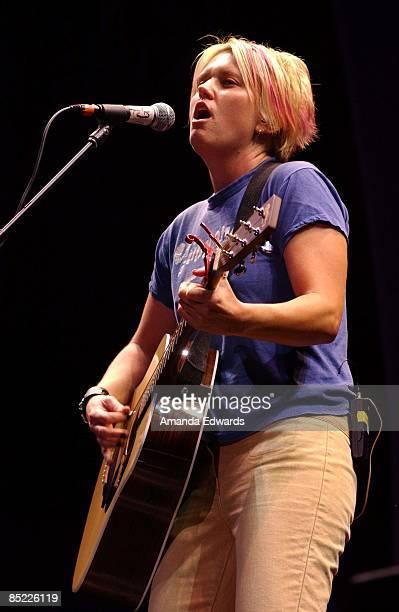Photo of Garrison STARR; Garrison Starr opening for Melissa Etheridge at the Verizon Wireless Amphitheatre in Irvine, CA., 17 August, 2002