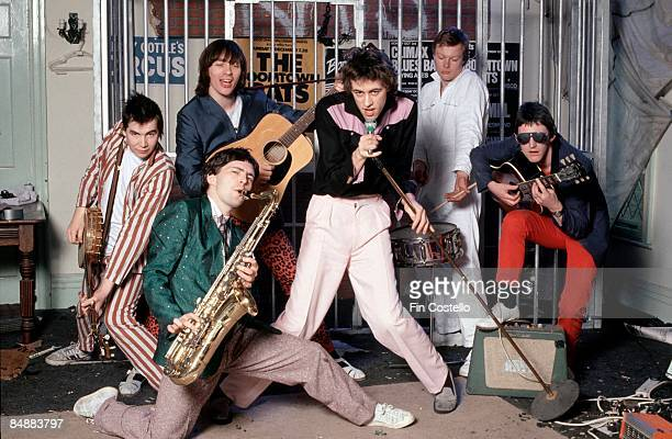 Photo of Garry ROBERTS and Johnnie FINGERS and Gerry COTT and Pete BRIQUETTE and Bob GELDOF and BOOMTOWN RATS and Simon CROWE