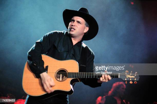 Photo of Garth Brooks Photo by Jim Steinfeldt/Michael Ochs Archives/Getty Images