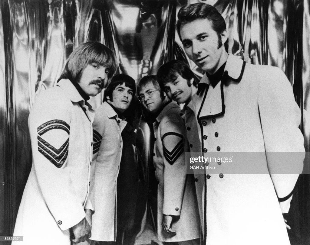 Photo of Gary PUCKETT & Union Gap and Gary PUCKETT and Paul WHEATBREAD and Dwight BEMENT and Gary WITHEM and Kerry CHATER; Posed group portrait L-R Paul Wheatbread, Dwight Bement, Gary Withem, Kerry Chater and Gary Puckett