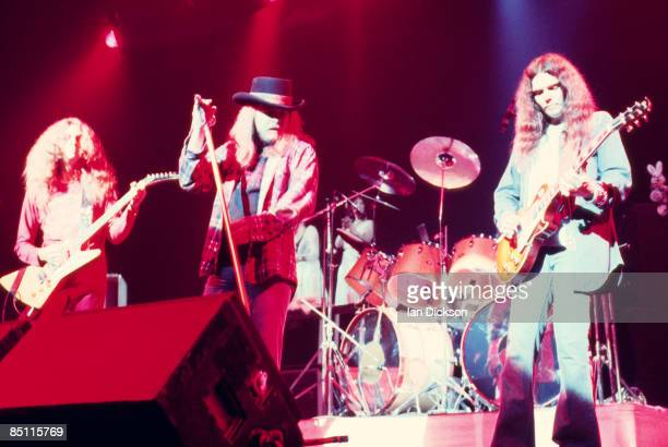 THEATRE Photo of Gary ROSSINGTON and LYNYRD SKYNYRD and Ronnie Van ZANT and Allen COLLINS LR Allen Collins Ronnie Van Zant and Gary Rosssington...