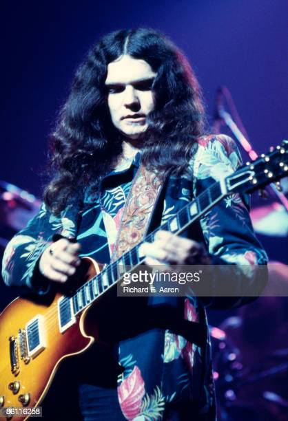 THEATER Photo of Gary ROSSINGTON and LYNYRD SKYNYRD Gary Rossington performing on stage