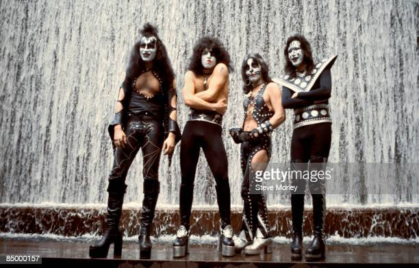 Photo of Gene SIMMONS and KISS and Peter CRISS and Paul STANLEY and Ace FREHLEY LR Gene Simmons Paul Stanley Peter Criss Ace Frehley posed group shot