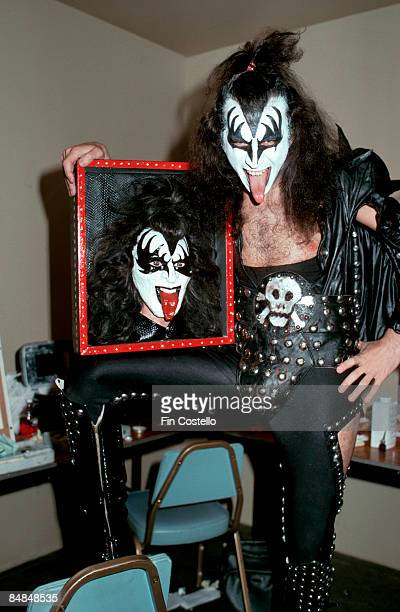 USA Photo of Gene SIMMONS and KISS Gene Simmons posed backstage holding model of his face