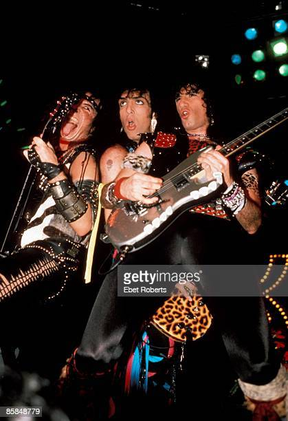 UNITED STATES DECEMBER 16 MADISON SQUARE GARDEN Photo of Gene SIMMONS and Paul STANLEY and KISS and Bruce KULICK LR Gene Simmons Paul Stanley Bruce...