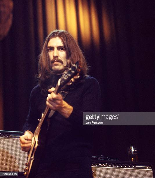 Photo of George HARRISON performing with Delaney Bonnie