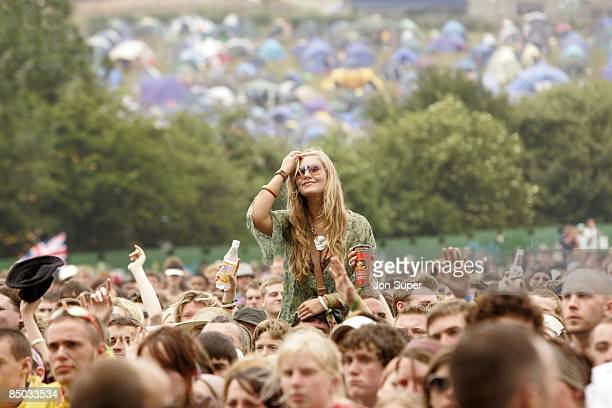 Photo of Glastonbury 2005., Glastonbury 2005., Crowds - Girl - Generic - General