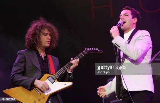 Photo of Glastonbury 2005., Glastonbury 2005., Killers - Guitarist Dave Keuning, left, and singer Brandon Flowers