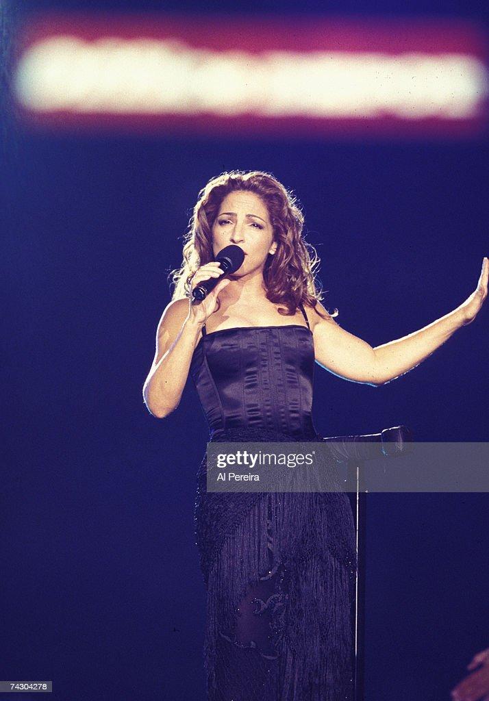 Photo of Gloria Estefan : News Photo