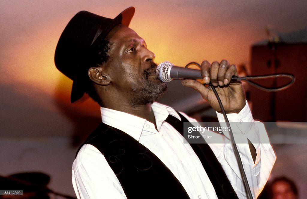 Photo of Gregory ISAACS : ニュース写真