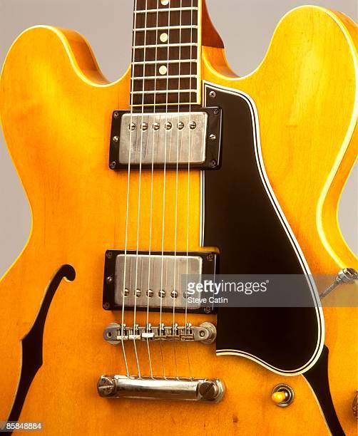 UNSPECIFIED CIRCA 2000 Photo of GUITAR and GIBSON GUITARS and GIBSON ES300 SERIES GUITARS ES335 model [742] still life studio
