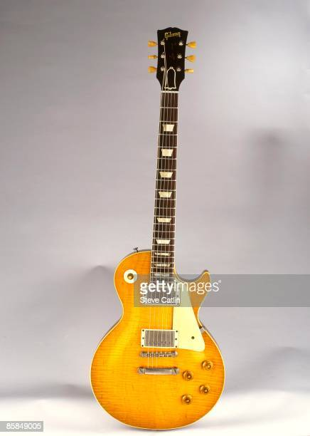 Photo of GUITAR and GIBSON GUITARS and GIBSON LES PAUL GUITAR Standard model featuring tiger stripe pattern to sunburst [208] still life studio