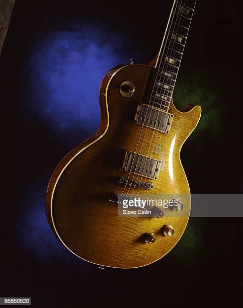 Photo of GUITAR and GIBSON LES PAUL GUITAR and GIBSON GUITARS 1959 Gibson Les Paul Standard owned by Gary Moore formerly owned by Peter Green