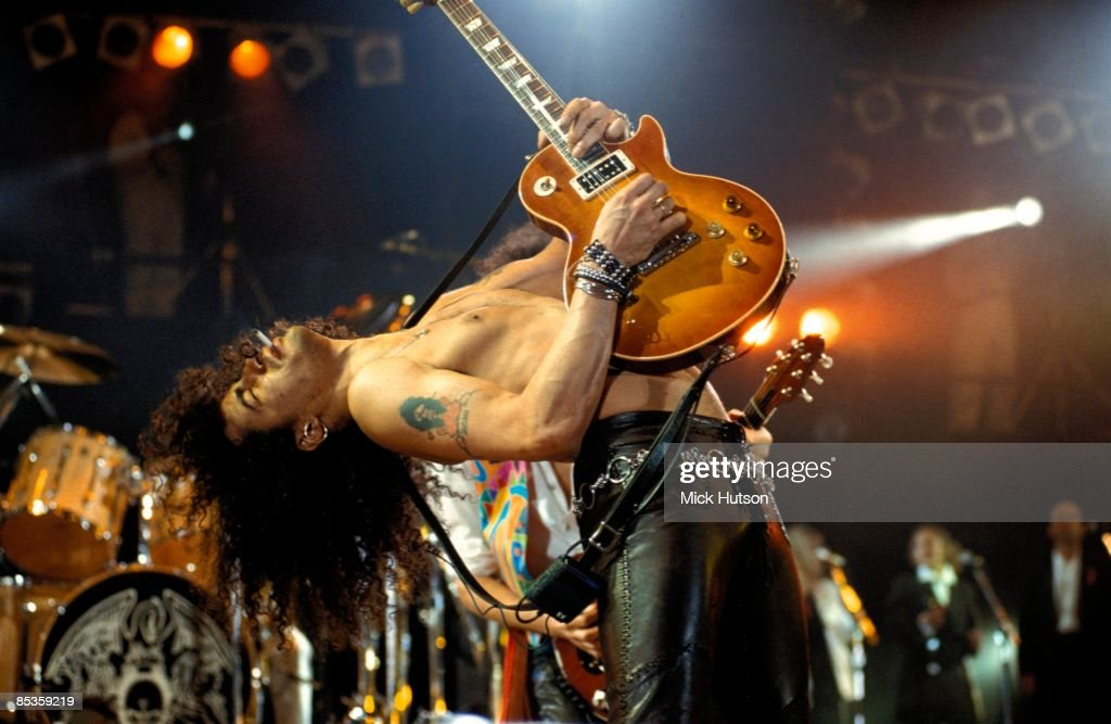 Photo of GUNS & ROSES and SLASH and GUNS N' ROSES and GUNS AND ROSES : News Photo