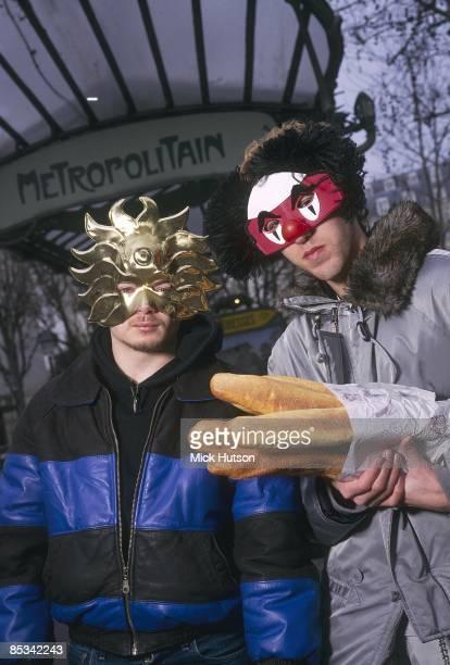 Photo of Guy Manuel de HOMEM CHRISTO and Thomas BANGALTER and DAFT PUNK Group portrait of GuyManuel de HomenChristo and Thomas Bangalter mask bread