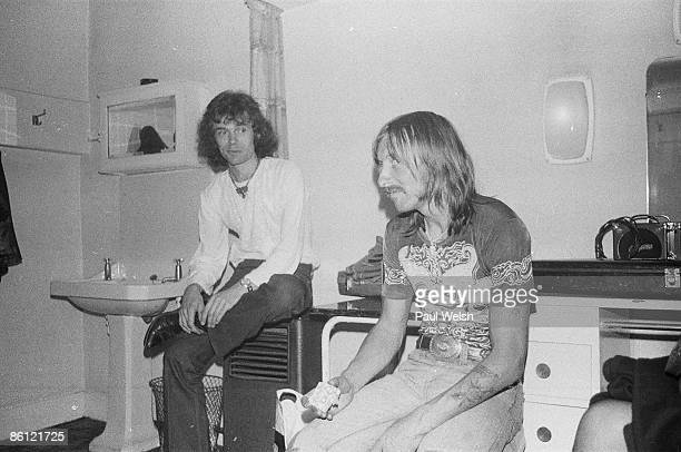 PALACE Photo of HAWKWIND 16/09/77 Palace Manchester Simon House and Dave Brock