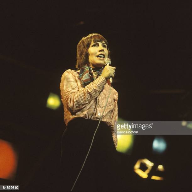 Photo of Helen REDDY