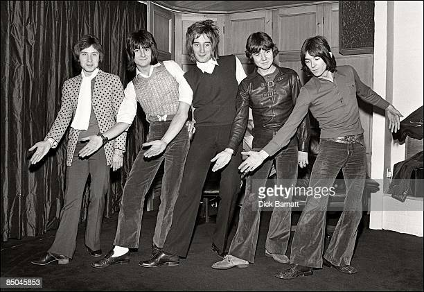 Photo of Ian McLAGAN and Kenney JONES and Rod STEWART and Ron WOOD and Ronnie LANE and Ronnie WOOD and FACES LR Kenney Jones Ron Wood Rod Stewart...