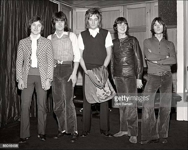 Photo of Ian McLAGAN and Kenney JONES and Rod STEWART and Ron WOOD and Ronnie LANE and Ronnie WOOD and FACES LR Kenney Jones Ron Wood Rod Stewart...