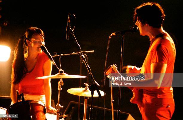 FESTIVAL Photo of Jack WHITE and Meg WHITE and WHITE STRIPES Meg and Jack White performing on stage