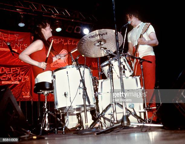 Photo of Jack WHITE and Meg WHITE and WHITE STRIPES Meg and Jack White performing on stage