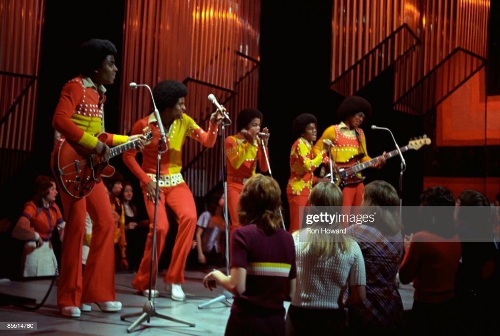 POPS Photo of JACKSON FIVE and Tito JACKSON and Jermaine JACKSON and Jackie JACKSON and Marlon JACKSON and Michael JACKSON, Group performing on Top of the Pops L-R Tito, Jackie, Marlon, Michael and Jermaine Jackson