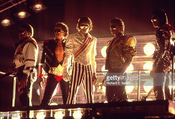 Photo of JACKSON FIVE, L-R Tito, Marlon, Michael, Randy and Jermaine Jackson performing on stage - Jackson 5 Victory Tour
