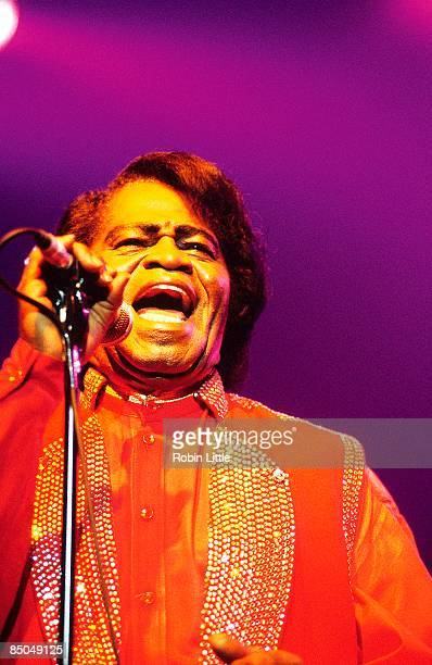 ACADEMY Photo of James BROWN performing live onstage