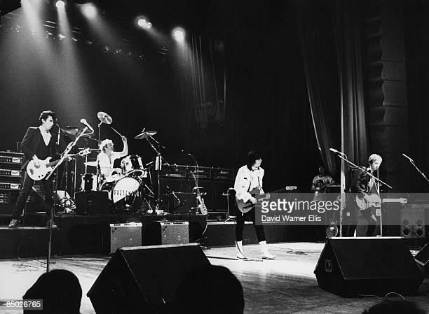 Photo of James HONEYMAN SCOTT and PRETENDERS and Chrissie HYNDE and Pete FARNDON; L-R: Pete Farndon, Martin Chambers , Chrissie Hynde, James Honeyman...