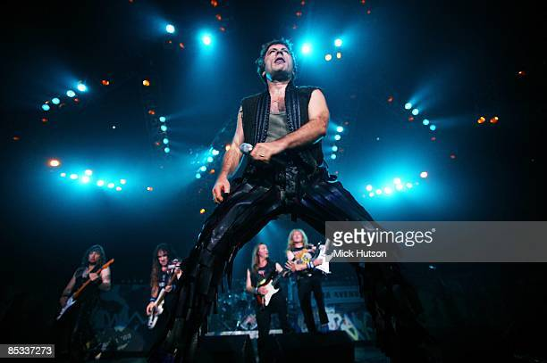 Photo of Janick GERS and Dave MURRAY and Steve HARRIS and Bruce DICKINSON and IRON MAIDEN and Adrian SMITH, Bruce Dickinson - with band behind him -...