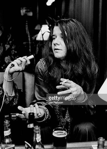Photo of Janis JOPLIN Janis Joplin posed being interviewed