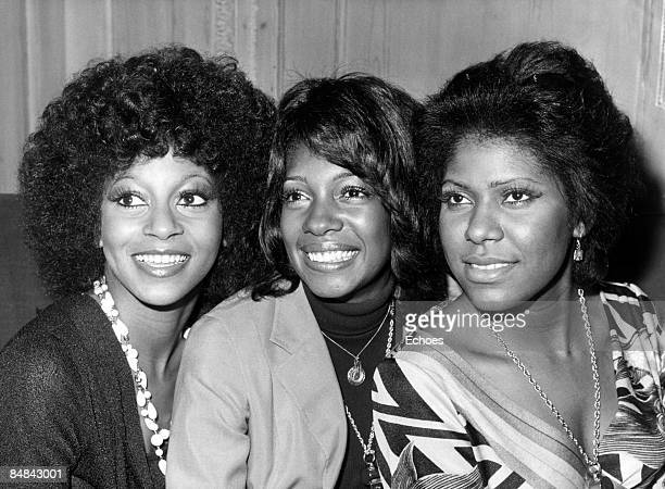 Photo of Jean TERRELL and Lynda LAURENCE and SUPREMES and Mary WILSON Group portrait LR Lynda Laurence Mary Wilson and Jean Terrell