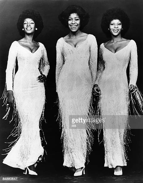 Photo of Jean TERRELL and SUPREMES and Mary WILSON and Lynda LAURENCE Posed studio full length group portrait LR Mary Wilson Jean Terrell and Lynda...